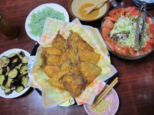 アジフライ、サラダ、こんにゃく刺身、油焼きナス