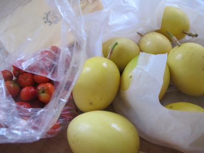 パッションフルーツとアセロラ