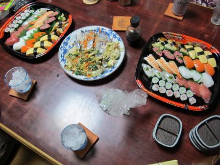 半額寿司、しめさば、コノシロ菜の花和え