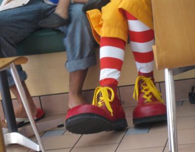 ドナルドさまのデカい足