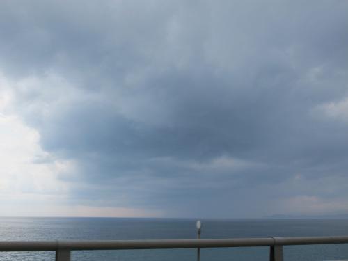 海に降る雨