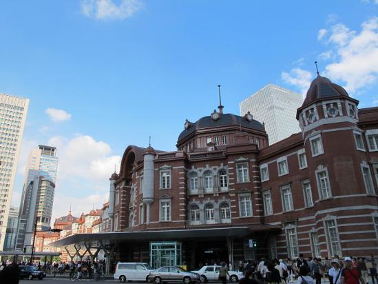 東京駅南ドーム側