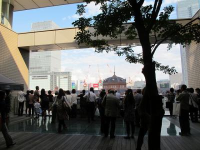 丸ビルから東京駅