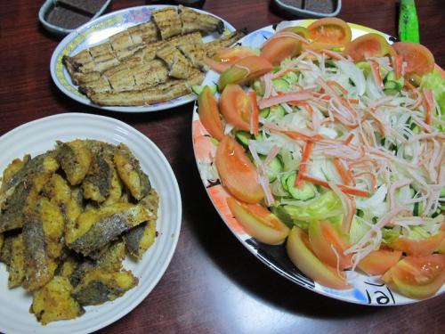 鰻白焼き、サワラカレーフライ、カニカマサラダ