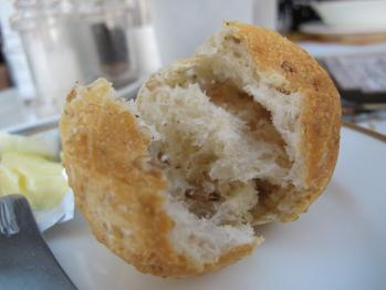 ゴマのライ麦パン