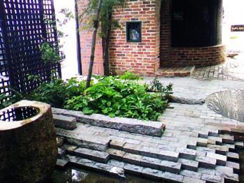 チルチル中庭