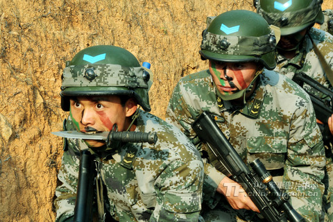 中国軍事訓練4