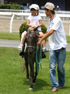 120708川崎競馬オープンデー ポニー乗馬2