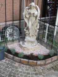 天使像のレンガ