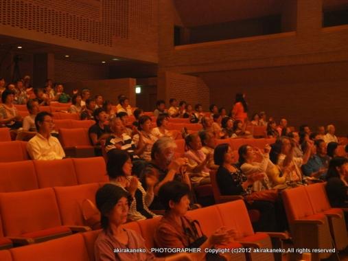 20120902-077最後まで残った客席