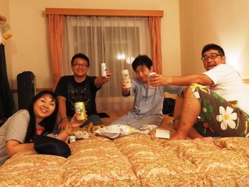 20120915-22ホテルで乾杯
