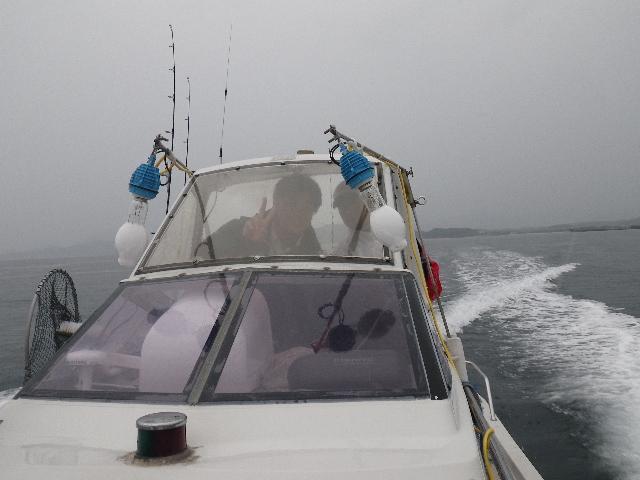 ドルフィン号で出航