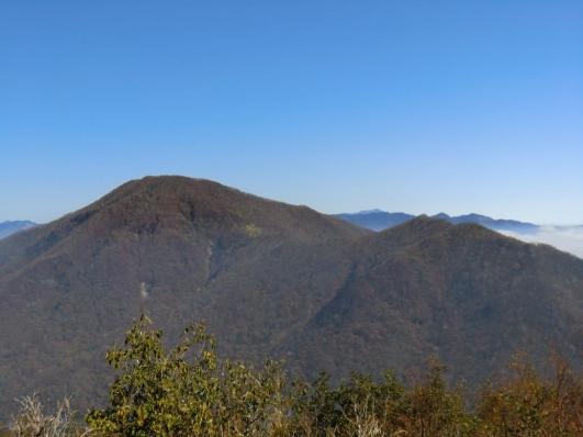 黒檜山、駒ヶ岳奥は日光方面