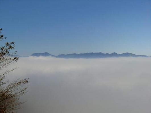 皇海山と袈裟丸連山