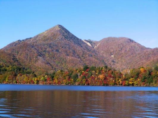 八丁出島と社山