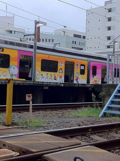 小田急ドラちゃん列車
