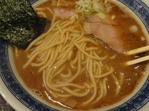 100904.新宿・俺の麺春道012