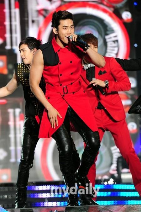 2PM テギョン 腹筋