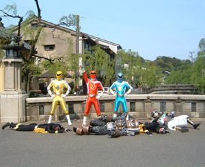 子供たちに笑顔・元気を届けに。城崎温泉のヒーロー「オンセンジャー」