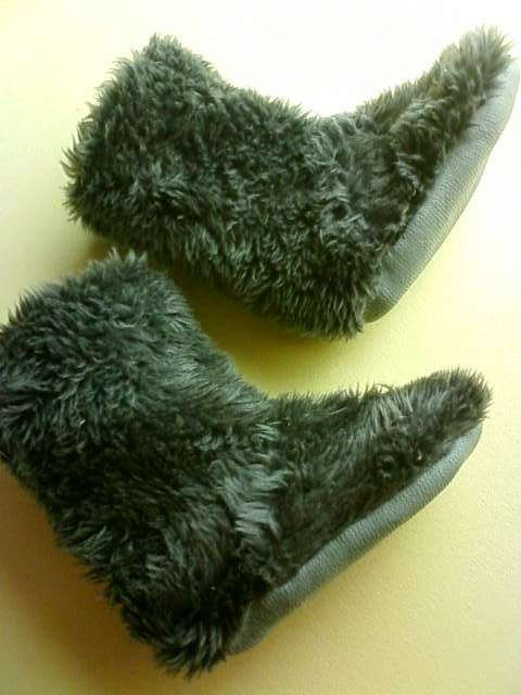 room_shoes_a.jpg