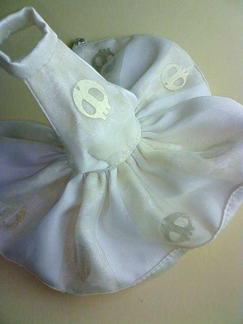 scull_dress_c.jpg