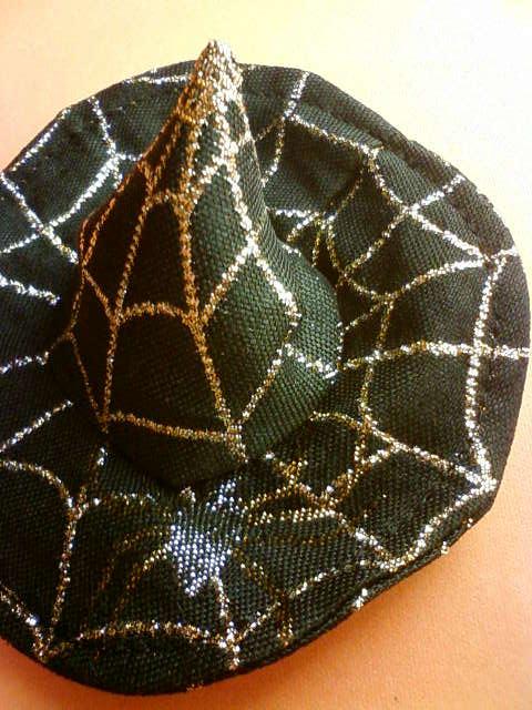 spider_hat_a.jpg
