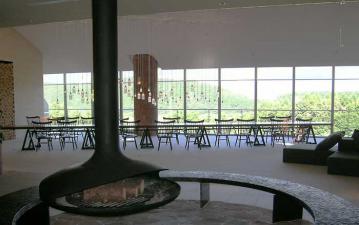 長さ11メートルの巨大テーブル