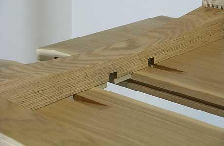 テーブル天板は、2枚の板