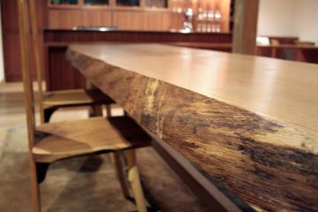 楢のテーブル:木表