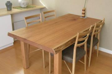 胡桃のテーブル:木表