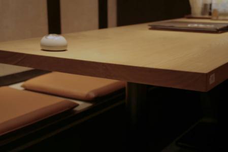 掘りごたつ式のテーブルに理想的です