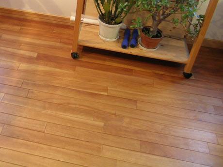 理想の床材 アサダ