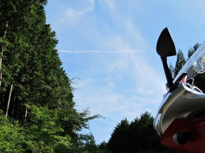 飛行機雲とCBR