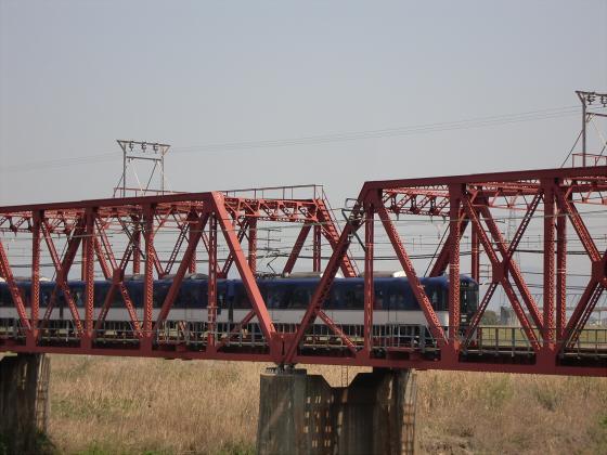 桜と共に電車色々01