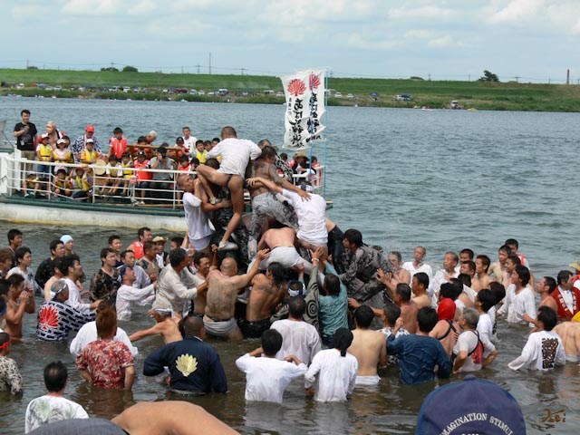 110724葛和田暴れ神輿10