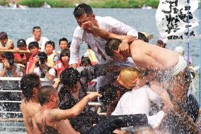 110724葛和田暴れ神輿09