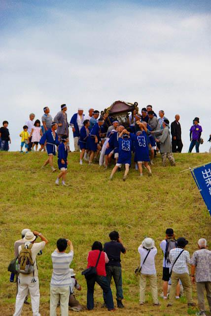 2011出来島暴れ神輿03