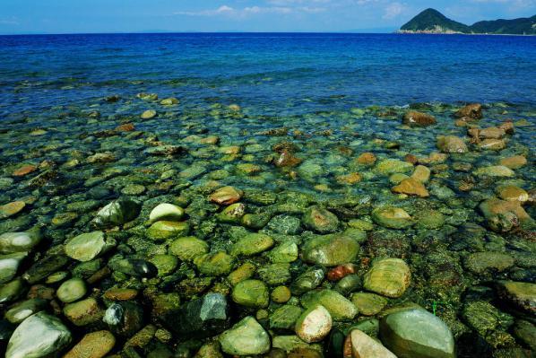 P1030753-1  長目の浜の石ころ