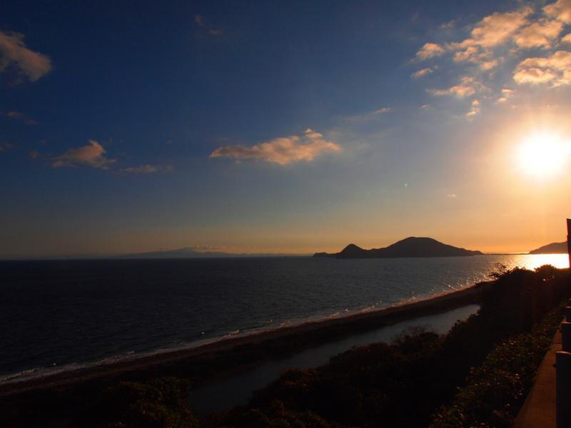日曜日 朝の長目の浜