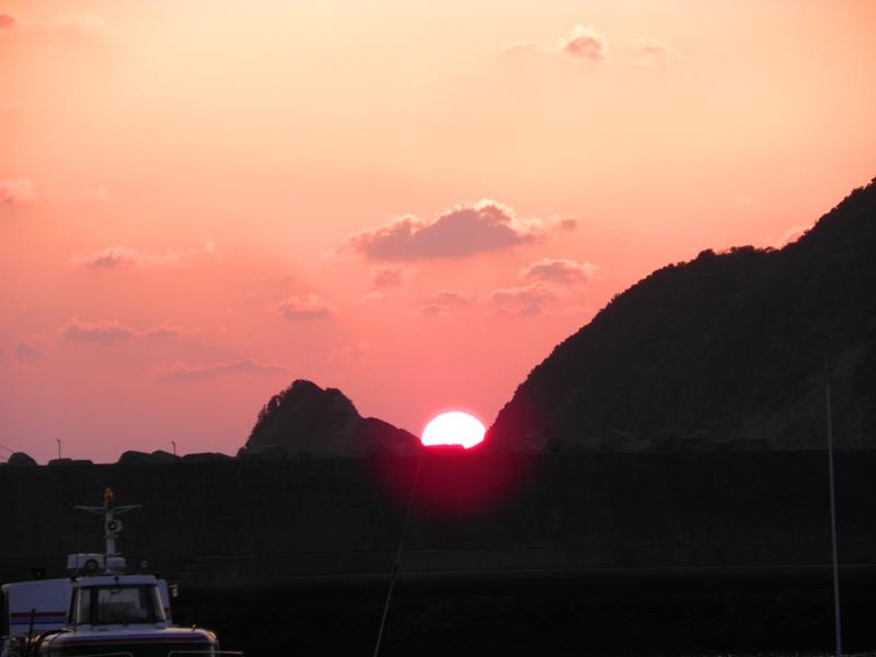 まん丸夕陽