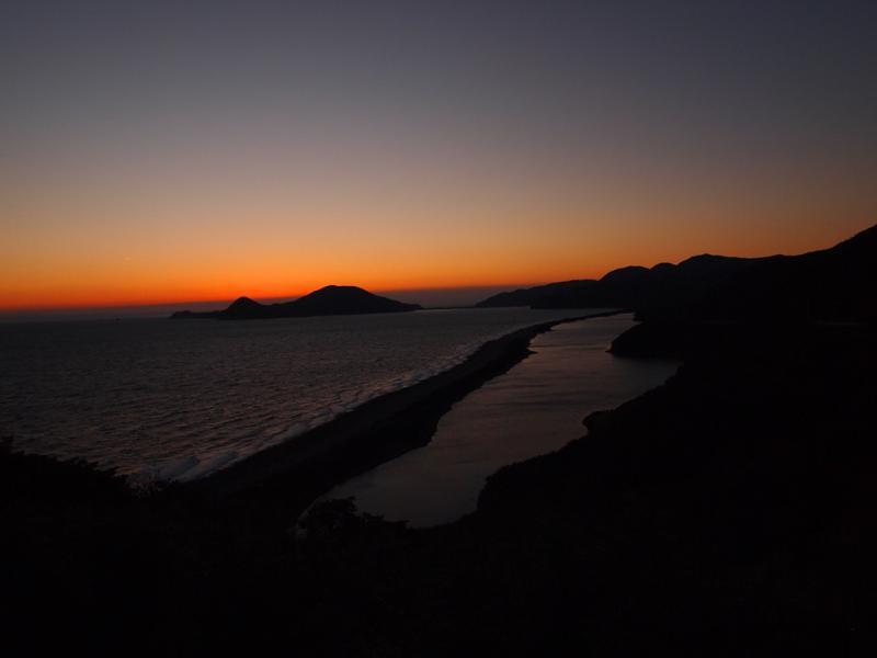 長目の浜の日の出前