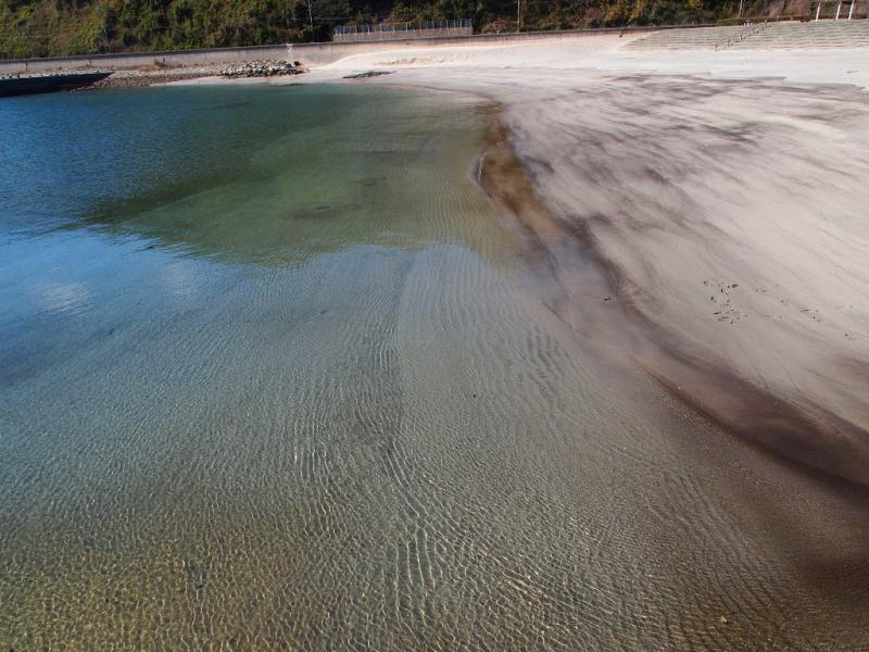 春の海 うーたんはまの砂浜