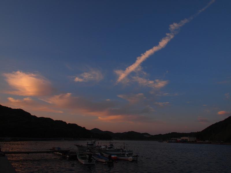 夕暮れの湾