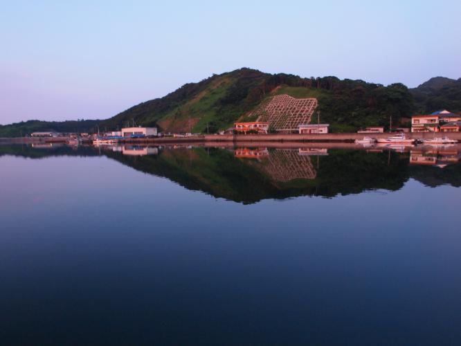 夕暮れの小島海岸