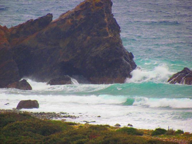 長目の浜の波