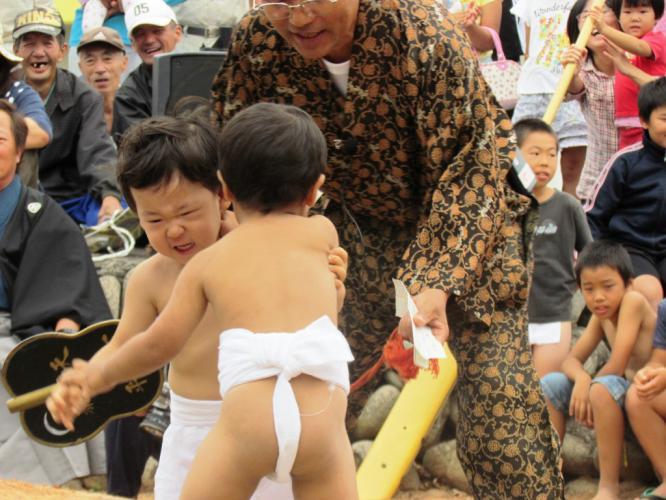 幼稚園児の相撲 1