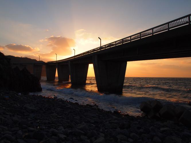 大明神橋も夕焼け