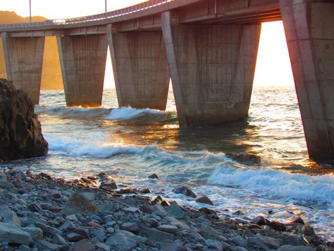 橋桁の波 7