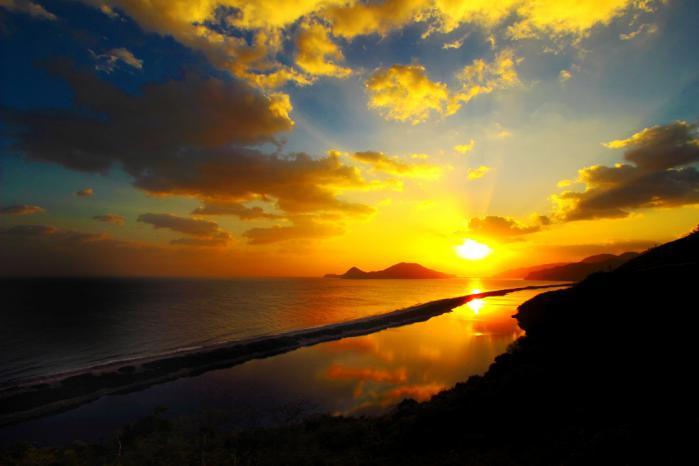 長目の浜の朝陽