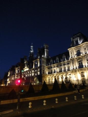 パリ市庁舎!